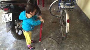thơ chế bơm xe đạp