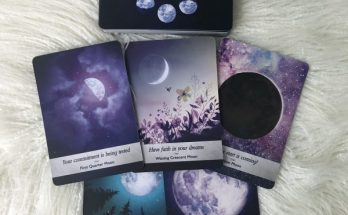 Bộ Bài Moonology Oracle